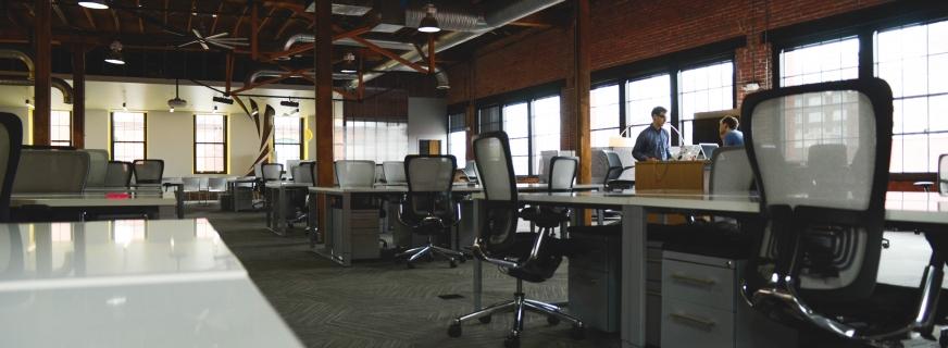 Czyszczenie wykładziny biurowej, dywanu, tapicerki meblowej – przygotowanie.